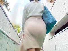 熟女ナンパ企画 美熟女! スレンダーな美人人妻熟女おばさんが誘惑 タイト...