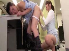 吉沢明歩のアナル責め動画 巨乳OLさんが アナル舐め前立腺も お尻と同時に...