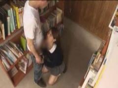 JK痴女 ぐうかわ制服jkのパンチラに釣られて図書館まで付いていったらなん...