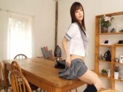成人してるはずなのに現役の女子校生に見えてくる美少女wwww