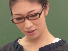 痴女教師の顔面騎乗フェラチオで強制射精させられるM男動画