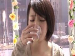 マジックミラー号 可愛い清楚な人妻さんに声をかけて媚薬入りの水を飲ませ...