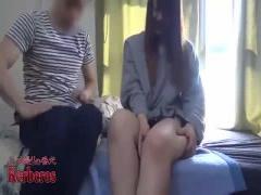 無修正 ファミレスでナンパした美少女を自宅に連れ込んでセックスを盗撮