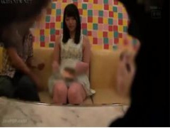 有名AV女優上原亜衣のプラーベートを激写! ! 果たして私生活でも可愛くて...