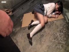 帰宅途中の美少女JKが捕獲され、監禁部屋で男の性欲の捌け口にされる