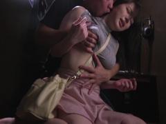 薄手ニットにパイスラさせて巨乳くっきり強調させちゃってる女子を揉みし...