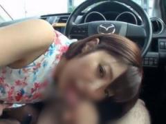 車内でディープスロートフェラして口内射精させる巨乳痴女