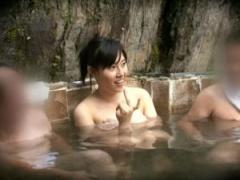 爆乳Iカップで激カワ美女が混浴温泉に極小タオルで入って卑猥なマッサージ...