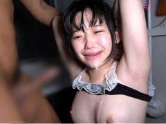 ヤリ部屋に連れ込まれ犯されまくる小生意気な女子校生! 拘束されて凌辱される