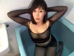 ムチムチ巨乳の美熟女人妻の全身パンスト着衣ローションオナニー!