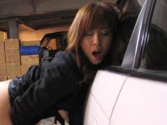 ドライブ中に発情してムラムラ抑えられなくなった麻美ゆまが駐車場で乳振...