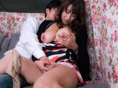 熟女ナンパ とても2児の母には見えない白金のセレブ妻の熟れたマンコに中...