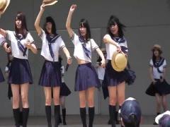 JKアイドルたちが風と激しい踊りでパンチラ連発 女子校生 セーラー服 ダンス