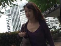 人妻ナンパ 36歳名古屋の子持ち奥様 土下座ナンパで不倫中イキ 顔面射精3...
