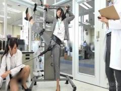 検証企画 250000回転の電マ SOD女子社員が身体を張って検証! 手足を拘束さ...