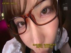 デカチンに食いつく眼鏡かけたチ〇ポ大好き美少女っ! !