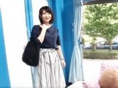 素人ナンパ企画 エロボディー人妻美女をナンパしてMM号で濃厚手コキフェラ...