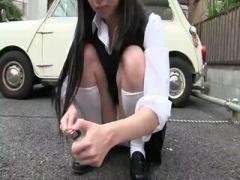 純白パンツをパンチラしまくってる黒髪清楚系美少女JKと個人撮影素人イチ...