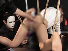 鎖と縄で緊縛拘束されたM女がパンスト美脚露わに身動きできない状態で電マ...