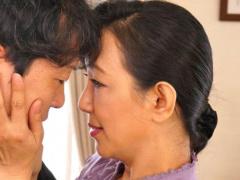五十路 妻が妊娠の経過入院で不在の間、身の回りの世話をしに来てくれた義...
