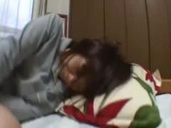 個人撮影 JK 流出 ガチでヤバいやつ。自宅に泊まりに来た後輩JKに寝起きに...