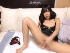 無修正ライブチャット ドエロいカラダのボブカットの美少女レナちゃんの手...
