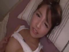 えっちがしたくなったよぉ  寝る前のベッドでイチャついてたら、ち○ぽを欲...