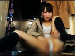 ライブチャット ネカフェでマンコいじくる女の子