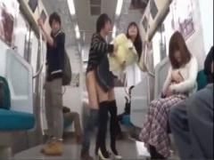 美人女子大生と電車内で無理やり子作りSEX