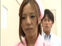 柔らかデカパイの看護婦さんは患者のチンポをパイズリしてイカせる