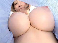 むちむち巨乳のショートカット激カワお姉さんがピッチピチの着衣姿でシコ...