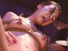 陵辱願望を持つ美少女が、首絞めや緊縛、イラマチオなど5つの陵辱で徹底的...