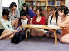 受験で上京して姉が住む女性専用のシェアハウスに泊まった童貞君の刺激的...