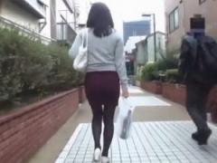 軟派 タイトスカートを履くキレカワおばさんを 言葉巧みに自宅へ連れ込む...