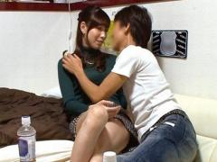 熟女ナンパ イケメンがアラサーの人妻OLを部屋に連れ込み中出しセックスに...