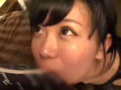 ハメ撮り ホテルの密室で童顔美少女を拘束してノーハンドフェラ。ドMなラ...