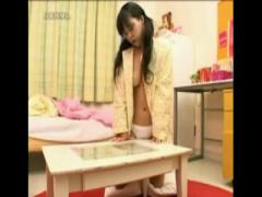 オナニー盗撮 童顔なくせに巨乳な妹が自室で家族にバレないように角オナニー
