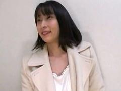 人妻ナンパ 飯田橋で見つけた保険外交員をしている三十路人妻をナンパ! フ...