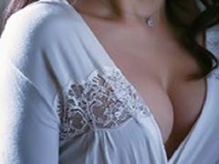 美熟女 巨乳爆乳おっぱいな美人人妻熟女おばさんが浮気不倫 美女のフェラ...
