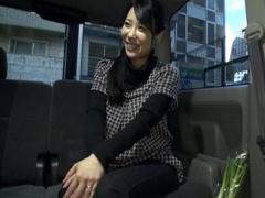 人妻ナンパ 買い物途中の元プロ野球選手の美人な奥さんを車内に連れ込みフ...