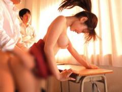やめてぇ! 壊れちゃうぅー! 美人女教師が学校のヤンキー達にスーツ着衣の...