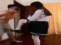 アジアンお嬢様JKにローファーで金蹴りされ連続ビンタでボコボコにされ容...