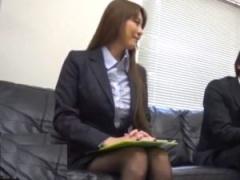 スーツ姿の美人OLの女上司が童貞部下に筆おろし生ハメして膣内射精 ムチム...