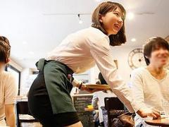 喫茶店で働く可愛いお姉さんをナンパ。微乳ながら敏感な乳首を責めて、濡...