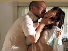 NTR 人妻レイプ 逃亡中の男に美人若妻が半泣きになりながら強姦され知り得...