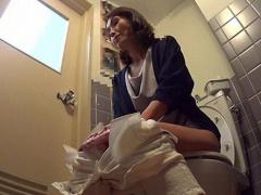 熟女ナンパ デカチンが五十路のスレンダー主婦を部屋に連れ込み中出しSEX...