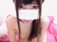 ライブチャット めちゃくちゃ可愛い美少女JKがピンク乳首丸出しでノーパン...