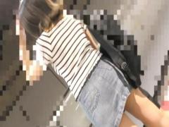 JDレイプ 巨乳のデニムスカートを履いたjdお姉さんが痴漢に電車で生ハメ中...