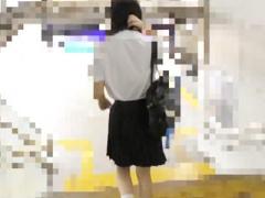盗撮 清楚で真面目そうな美少女JKに粘着し中出しレイプする様を逆さ撮りす...