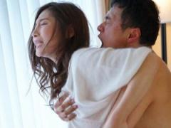 癒しフェロモンが漂うスレンダーな美人妻 ドロドロのエロSEXで興奮度MAX。...
